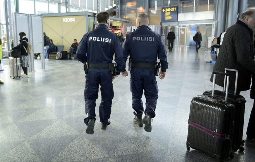 Policja w Finlandii przygotowana jest na wyższy poziom zagrożenia /HEIKKI SAUKKOMAA / LEHTIKUVA /AFP