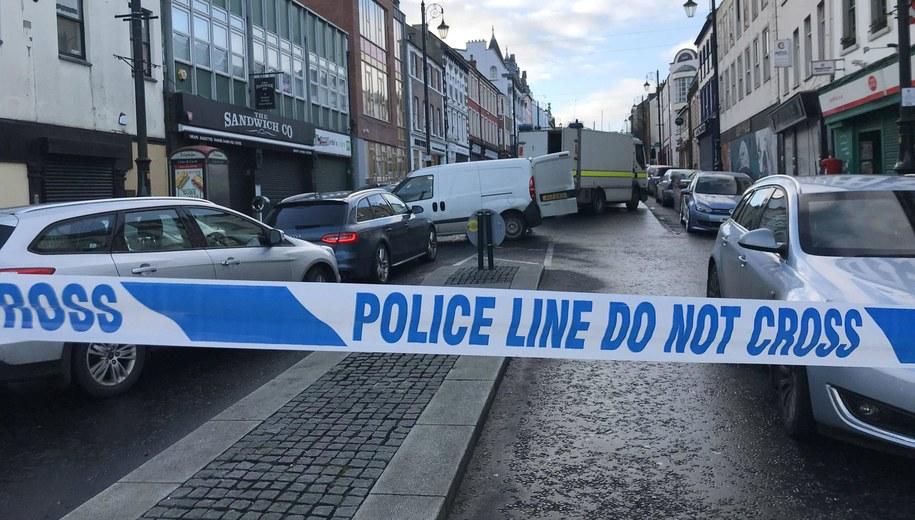 Policja w Londonderry /Rebecca Black /PAP/EPA