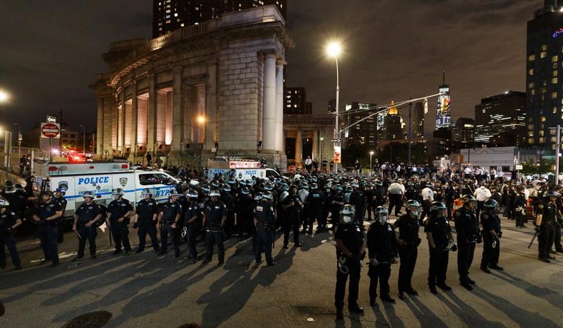 Policja w Nowym Jorku /JUSTIN LANE /PAP