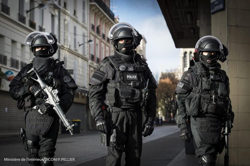 Policja w Saint-Denis /PAP/EPA