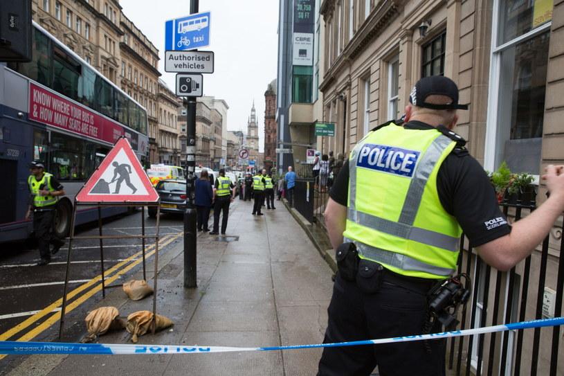 Policja zabezpiecza centrum Glasgow po ataku nożownika. /STRINGER /PAP/EPA
