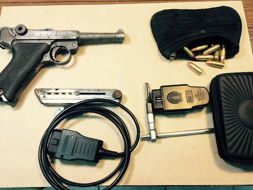 Policja zabezpieczyła nielegalną broń i amunicję /Policja