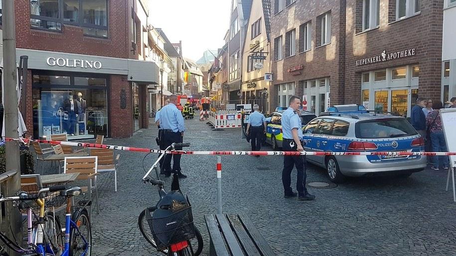 Policja zamknęła ulice w okolicy, gdzie doszło do ataku /NORD-WEST MEDIA /PAP/EPA
