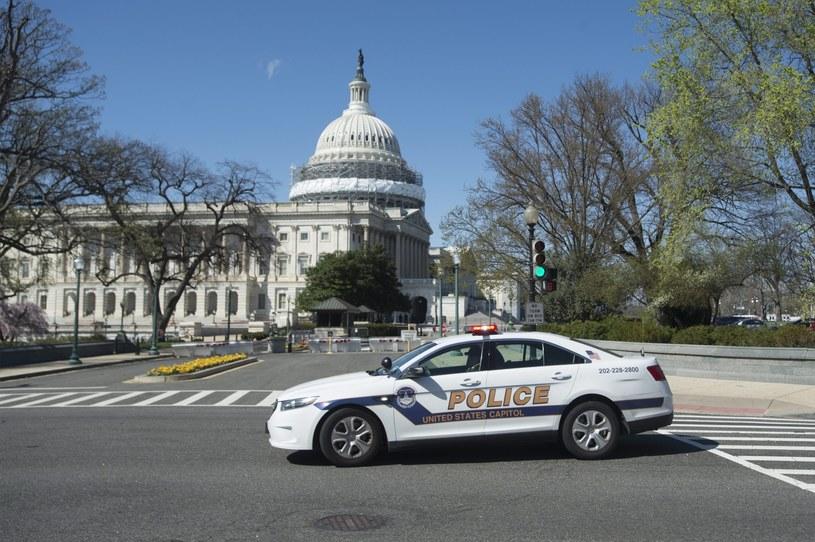 Policja zapewnia, że nie ma w tej chwili żadnego zagrożenia dla porządku publicznego /PAP/EPA