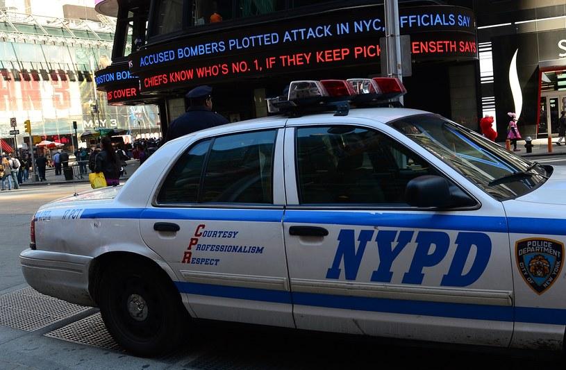 Policjanci apelują, aby dzwonić pod numery alarmowe jedynie w poważnych wypadkach /AFP