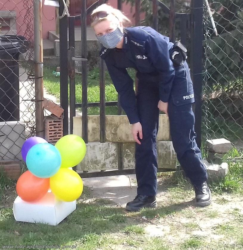 Policjanci dostarczyli tort urodzinowy sześciolatce /Policja