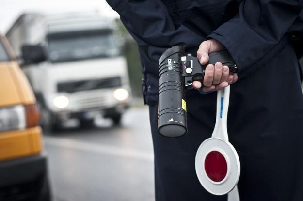 Policjanci mogą się mylić. Czasem nie warto przyjmować mandatu / Fot: Tymon Markowski /East News