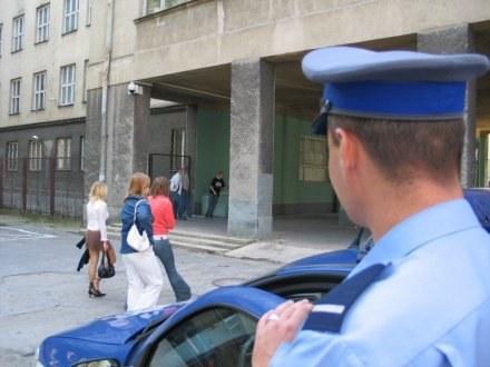 Policjanci nie są zadowoleni z nowych mundurów /RMF