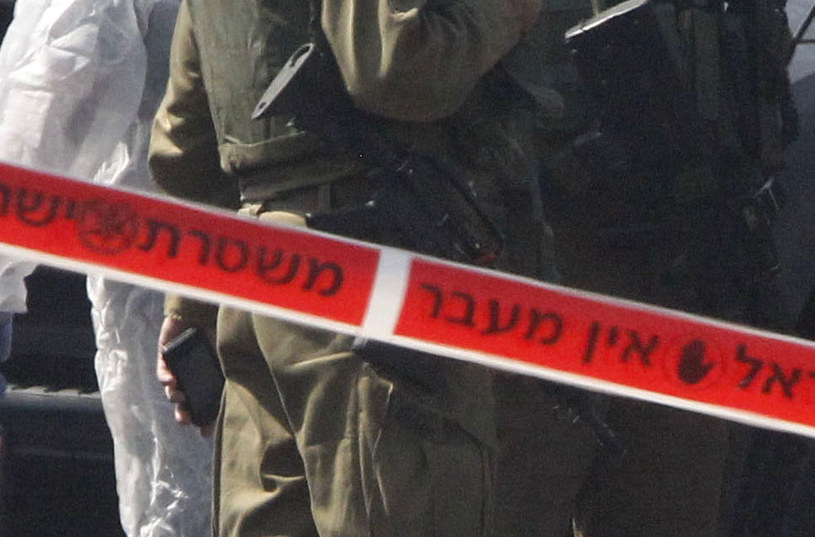 Policjanci otworzyli ogień do napastnika i ciężko go ranili (zdjęcie ilustracyjne) /AFP
