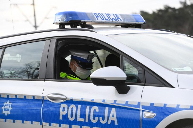 Policjanci patrolowali rejony przejść dla pieszych /Paweł Skraba /Reporter