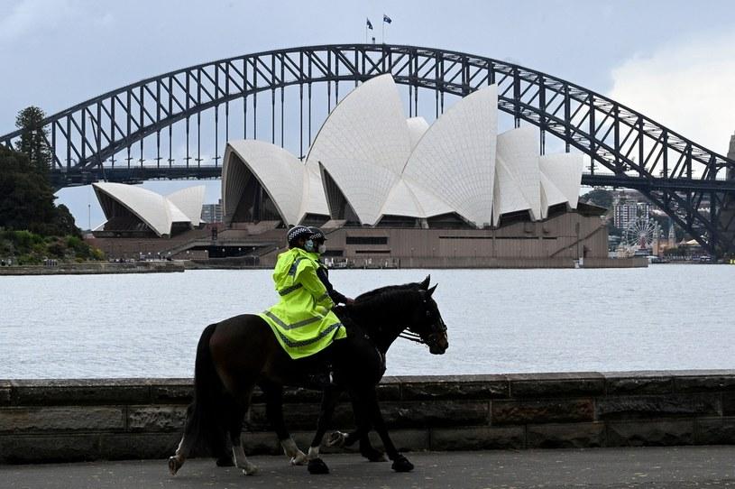Policjanci patrolują ulice Sydney /AFP