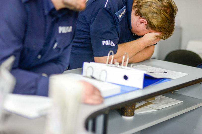Policjanci pracują pod nieustanną presją /Piotr Kamionka/REPORTER /East News