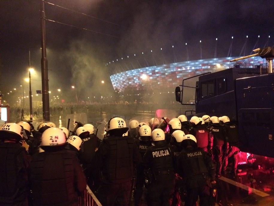 Policjanci przed Stadionem Narodowym /Tomasz Skory  /RMF FM