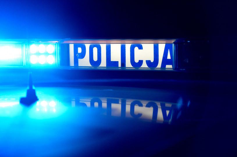 Policjanci szukają sprawców napadu na stacji paliw w Kostrzynie nad Odrą /LUKASZ SOLSKI/East News /East News