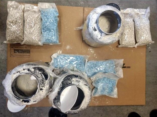 Policjanci udaremnili przemyt blisko 22 tys. tabletek ekstazy /Policja