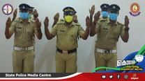 Policjanci z Indii uczą poprawnego mycia rąk