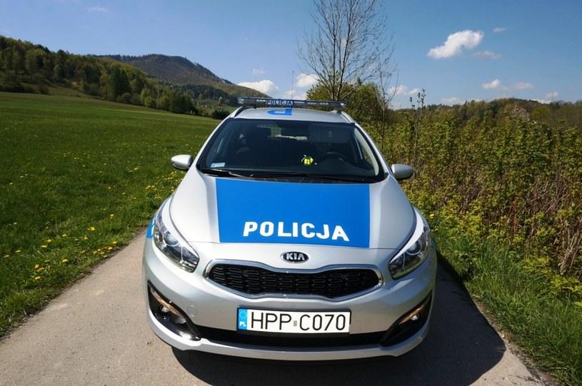 Policjanci zatrzymali kompletnie pijaną babcię /Policja