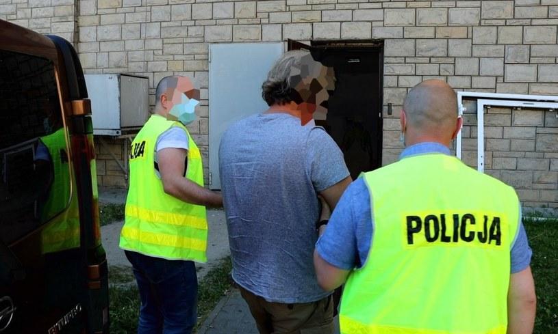 Policjanci zatrzymali siedem osób, ale sprawa jest rozwojowa /Policja