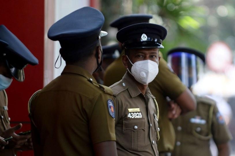 Policjanci ze Sri Lanki zatrzymali egzorcystkę podejrzaną o śmierć dziewczynki /LAKRUWAN WANNIARACHCHI /AFP