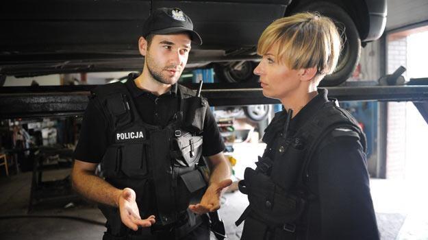 Policjant i policjantka... - fot. Bogdan Bogielczyk /materiały prasowe