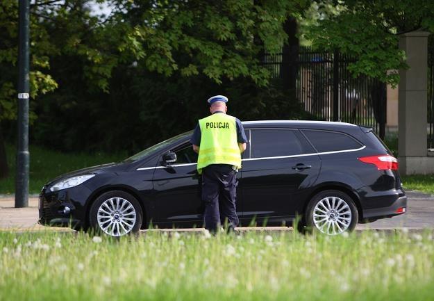 Policjant ma prawo zatrzymać dowód rejestracyjny / Fot: Stanisław Kowalczuk /East News