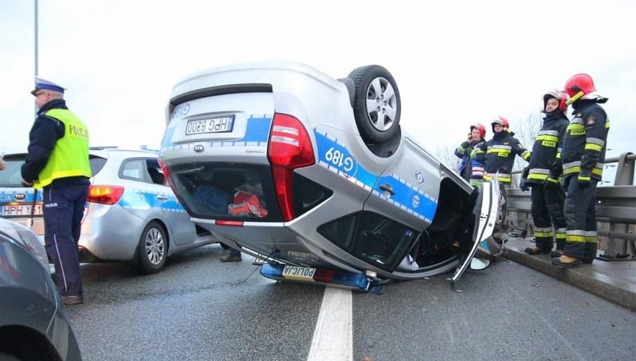 Policjant trafił do szpitala /Policja