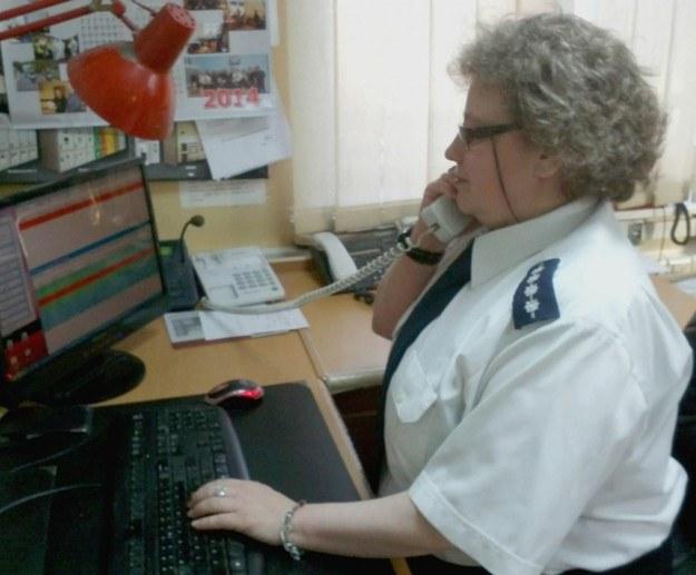 Policjantka uratowała życie duszącej się kobiecie /Policja