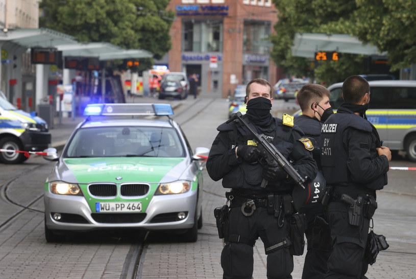 Policji udało się schwytać nożownika /DPA/Associated Press/East News /East News