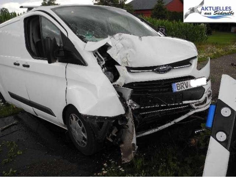 Policyjne zdjęcie z miejsca wypadku zamieszczone przez niemiecki serwis informacyjny /