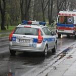 """Policyjny pościg za """"karetką"""" w Wielkopolsce. Zatrzymano dwie osoby"""
