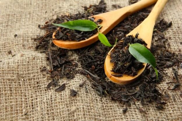 Polifenole znajdują się m.in. w zielonej herbacie /123RF/PICSEL