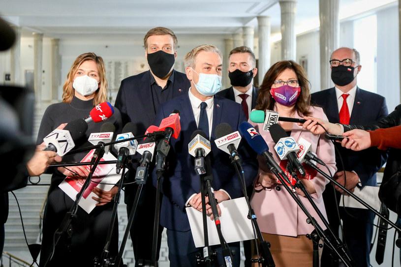 Politycy Lewicy po spotkaniu z premierem Mateuszem Morawieckim /Tomasz Jastrzębowski /Reporter