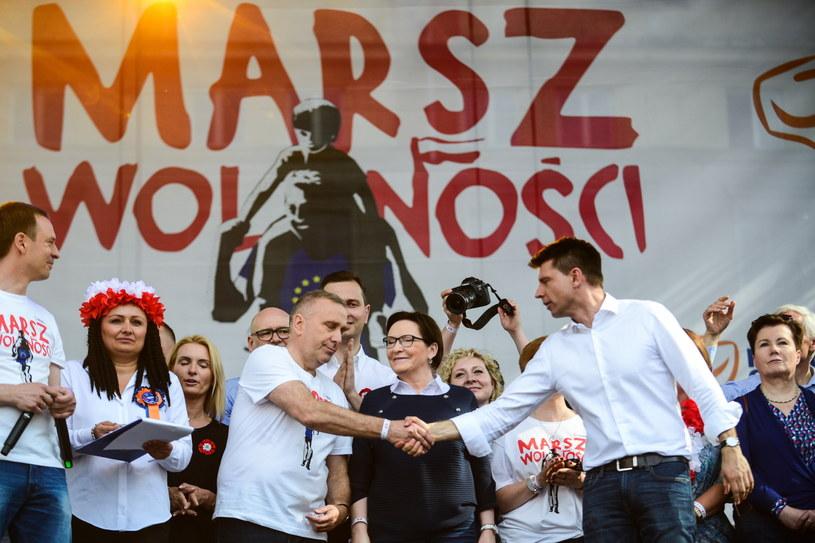 """Politycy opozycji na """"Marszu Wolności"""" /Jakub Kamiński   /PAP/EPA"""