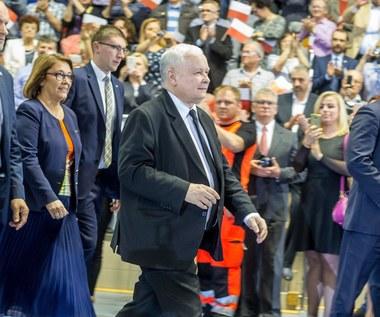 """Politycy PiS ruszyli w Polskę. Kaczyński w Trzciance o """"Mamie plus"""", 300 zł wyprawki i obniżce CIT"""