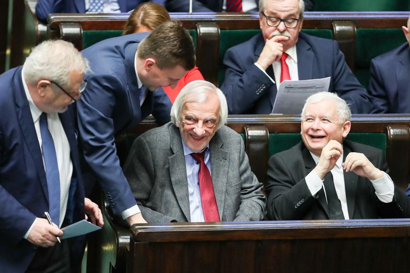 Politycy PiS w ławach sejmowych /fot. Andrzej Iwanczuk /Reporter