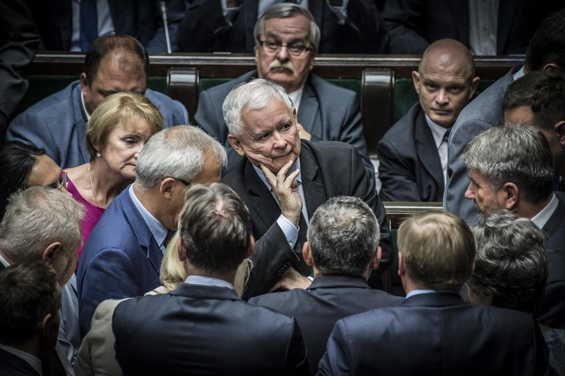 Politycy PiS w Sejmie /Jacek Domiński /Reporter