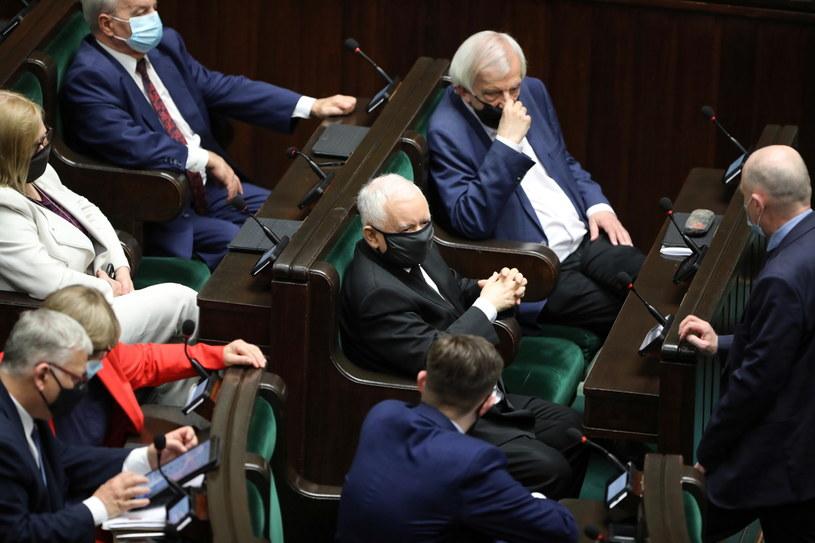Politycy PiS w Sejmie /Wojciech Olkuśnik /PAP