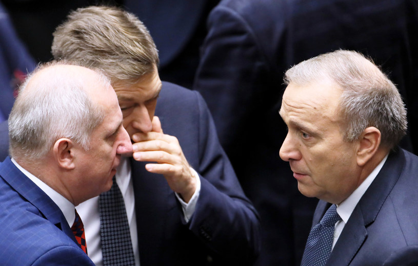 Politycy PO: Sławomir Neumann, Mariusz Witczak i Grzegorz Schetyna. /Piotr Molecki /East News
