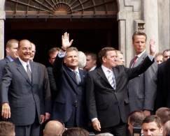 Politycy pozdrawiają wrocławian /RMF