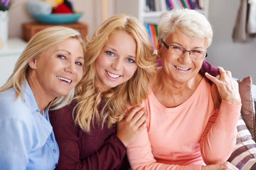 Polki deklarują, że drugą co do ważności wartością, zaraz po zdrowiu jest dla nich rodzina, przy czym 41% na równi z rodziną traktuje pracę /123RF/PICSEL