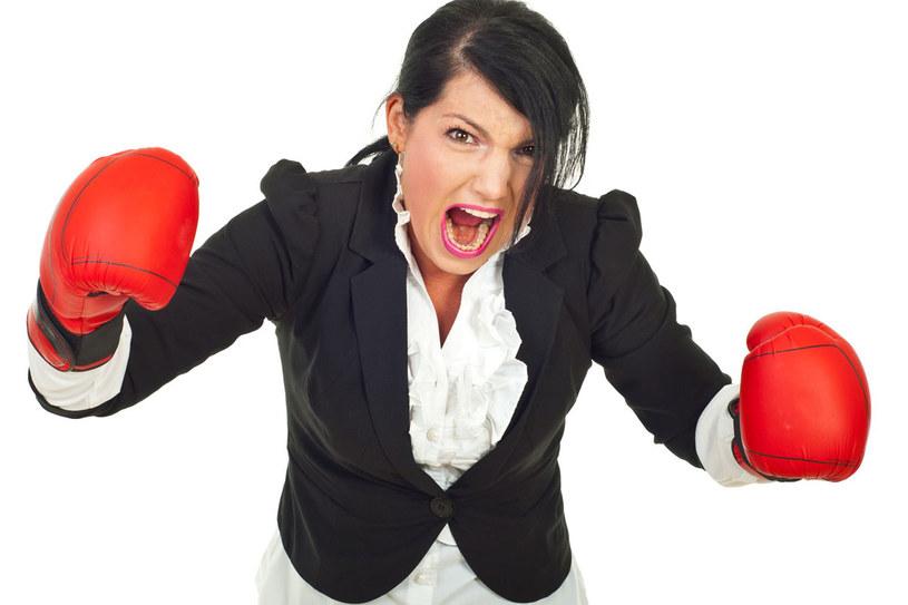 Polki klną, wrzeszczą i wybuchają gniewem częściej niż mężczyźni. /123RF/PICSEL