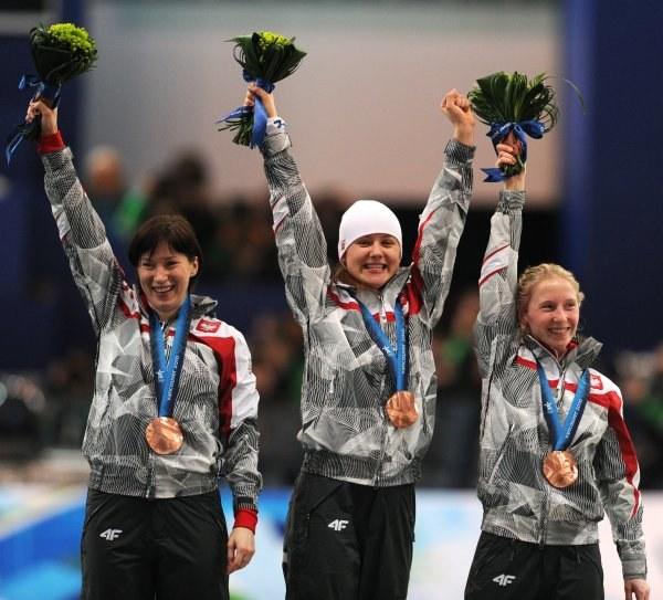 Polki na podium igrzysk olimpijskich. Wielkie brawa! /AFP