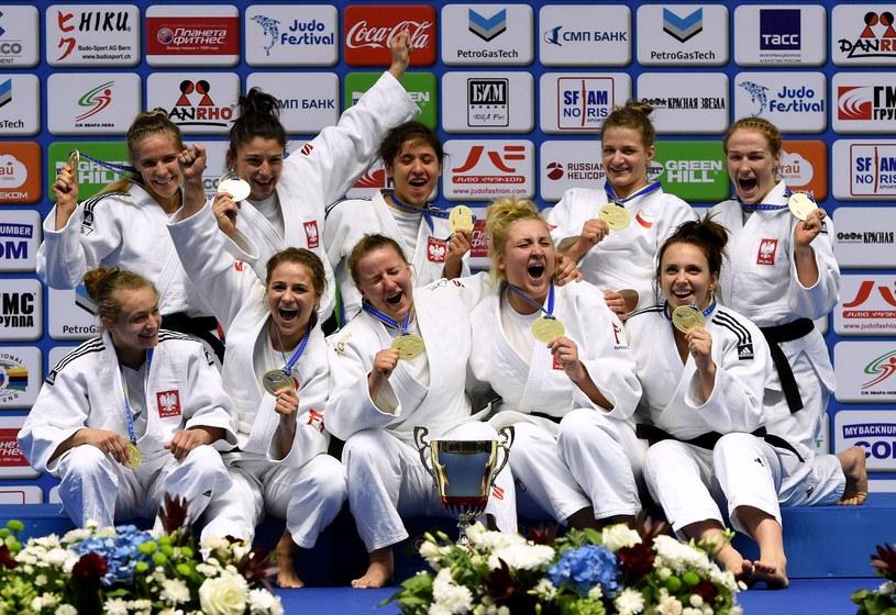 Polki świętują mistrzostwo Europy /AFP