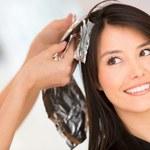 Polki u fryzjera pragną przemiany i poprawy nastroju
