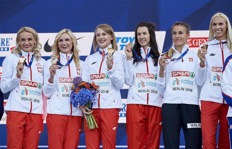 Polki wywalczyły złoto w sztafecie 4x400 m / Adam Warżawa    /PAP