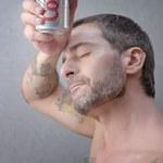 Półnagi Marc Jacobs w reklamie