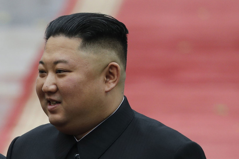 Północnokoreański przywódca Kim Dzong Un /KHAM /AFP