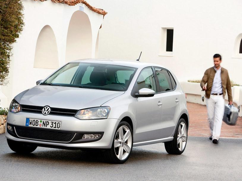 Polo jest wystarczająco zwinne, by z gracją wymijać inne auta  /INTERIA.PL