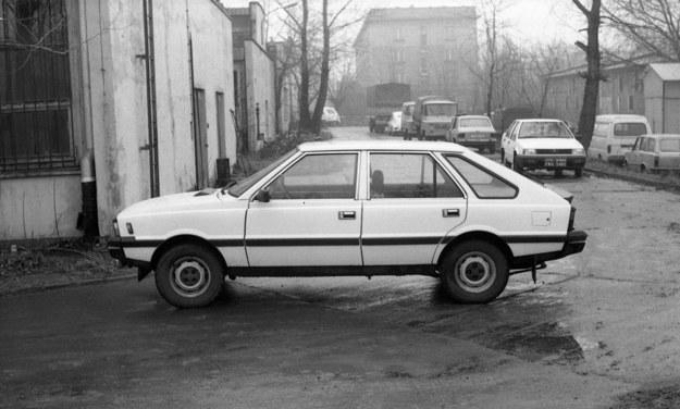 Polonez (Instytut Transportu Samochodowego) /Wydawnictwo Dragon  /materiały prasowe