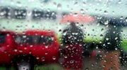 Połowa Polski w strugach deszczu